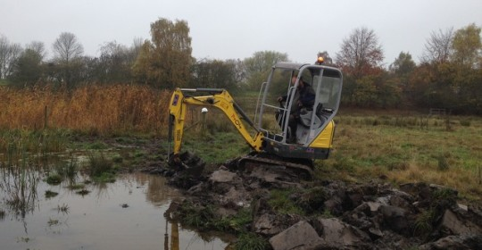 Pond digging on Rawcliffe Meadows 5 Nov 2015 (c) Anne Heathcote & Freshwater Habitats Trust